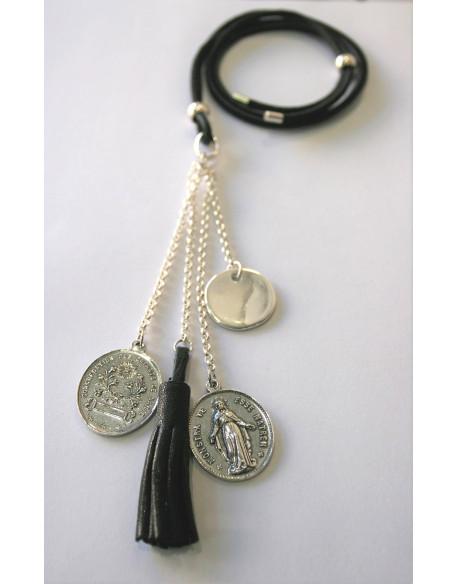 Sautoir cuir , médaille vierge et pompon cuir