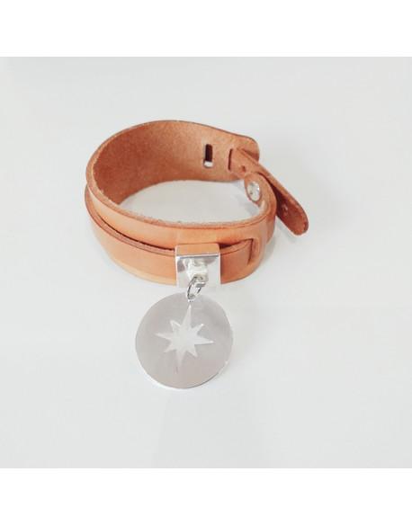 Bracelet large cuir avec étoile polaire