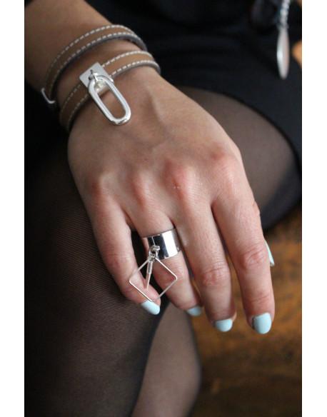 Bracelet cuir cousu et ovale