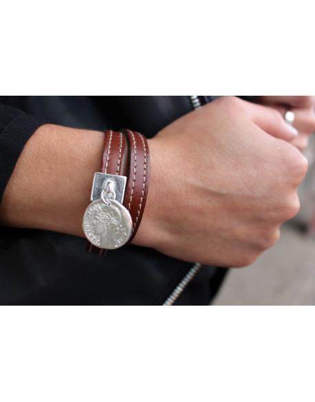 Bracelet double tour cuir médaille
